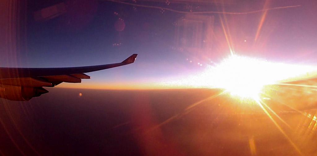 Coucher de soleil dans l'avion