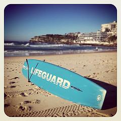 Planches de surf bleues